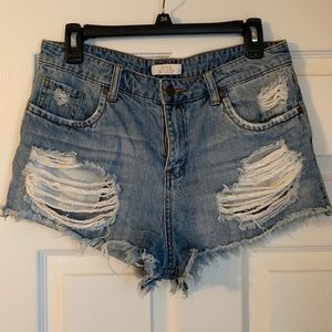 Sun & Shadow distressed cut off shorts size 28